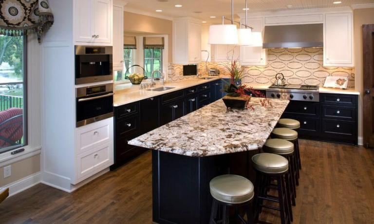 two-tone-kitchen-cabinets-14