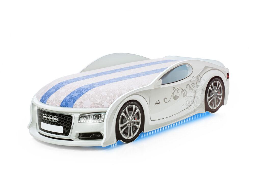 UNO_Audi_A6_White_Sport_F_D
